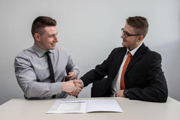 Dossiers clients dans le conseil